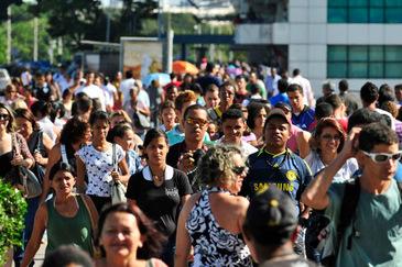 De acordo com IBGE a população estimada do Brasil é de 201.032.714 habitantes. (Breno Fortes/CB/D.A. Press/Arquivo)