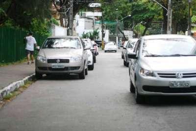 Estacionamento de carro na Rua do Futuro será utilizado para Vaga Viva. Foto: Blenda Souto Maior/DP/D.A Press (Blenda Souto Maior/DP/D.A Press)
