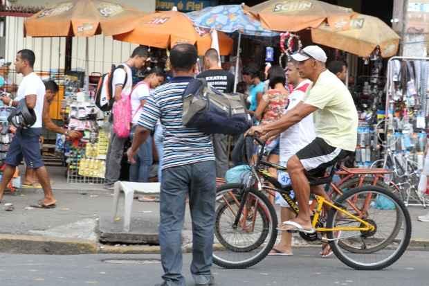 Com trânsito caótico, a Padre Lemos deverá contar com um circuito de ciclofaixas. Foto: Nando Chiappetta/DP/D.A Press