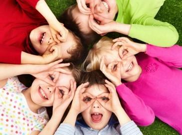 12 de Outubro é dia de ver o sorriso no rosto de cada criança. (www.shoppingplazaazul.com.br)