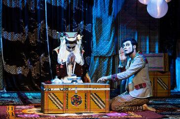 Espetáculo mudo une mágica e ilusionismo (Silvio Barreto/Divulgação)