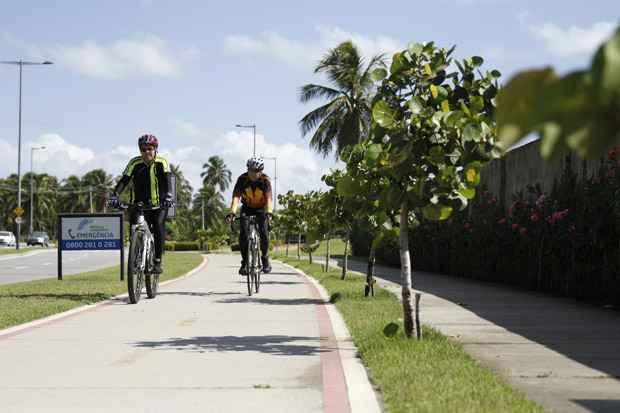 A ciclovia do Paiva foi inaugurada em 2009 e vem conquistando cada vez mais adeptos. Foto: Blenda Souto Maior/DP/D.A Press