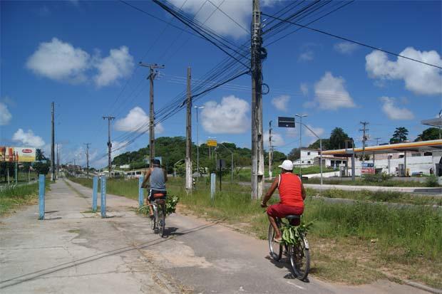 Projeto Pedala PE prevê revitalização da ciclovia da PE-15 mas até agora nada foi feito. Foto: Myrela Moura/Esp.DP/D.A Press
