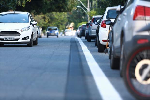 Prefeitura já pintou faixa que delimita área de bikes. Foto: Bernardo Dantas/DP/D.A Press