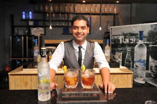 Braynner Scherz, primeiro lugar, é barman do The Door. Foto: Grey Goose/Divulgação