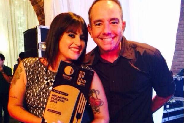 Cláudia e Ronaldo Luna, do Seu Luna Bar, receberam o prêmio pelo Melhor Cozido.