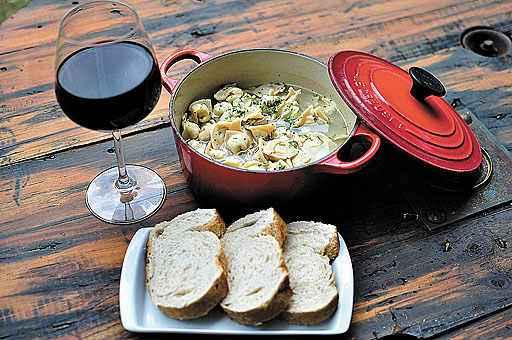 Receita da família da chef Myriam Carvalho, o capeletti da vó Gera é uma das atrações da Cantina Sanfelice: massa com ovos caipiras. Foto: Correio/Divulgação