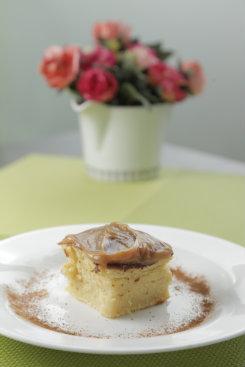 De sobremesa, um pedacinho de bolo de milho com doce de leite. Foto: Ivan Melo/Esp.DP/D.A.Press
