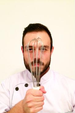 O chef é especialista em gastronomia saudável. Foto: HotSpot/Divulgação