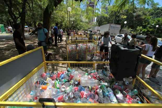 Projeto Relix de reciclagem e reutilizacao de lixo doa bicicletas chamadas ciclolix a associacao dos catadores de lixo. Foto: Annaclarice Almeida/DP/D.A Press