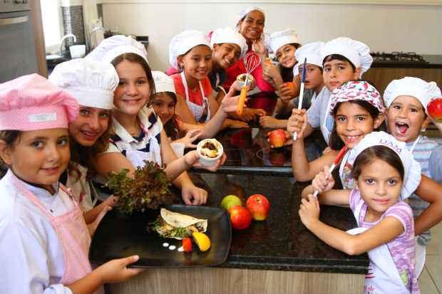 As crianças vão aprender o preparo de pães, pizzas e bolos. Foto: Annaclarice Almeida/DP/D.A Press