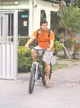Pela saúde, Thiago mudou de vida e de endereço. Foto: Julio Jacobina/DP/D.A Press