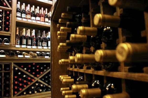 Clientes poderão entender mais sobre a história de cada vinho. Foto: Oswaldo Reis/Esp. CB/D.A Press