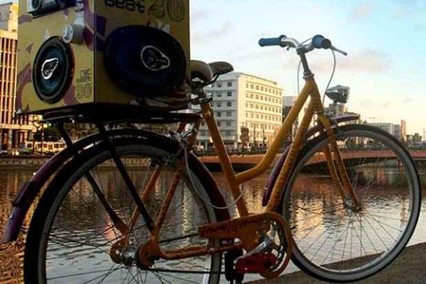 Rádio Bike é um projeto elaborado pelo Festival Rec-Beat. Foto: Divulgação.