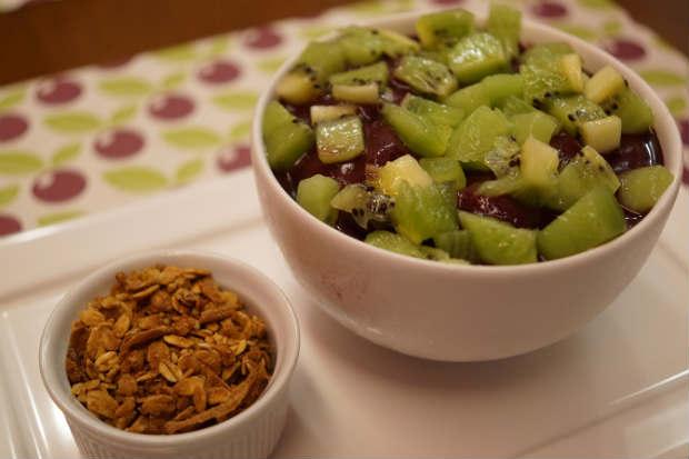 O Sane Comedoria Saudável recomenda o supernutritivo açaí com fruta. Foto: Le Porte/Divulgacao