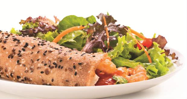 A Panqueca slim vem acompanhada de salada. Foto: Verbo Comunicação/Divulgação