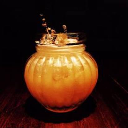 Além de aromas cítricos do limão e abacaxi, o drinque conta com a suavidade da erva cidreira. Foto: Approach Comunicação/ Divulgação