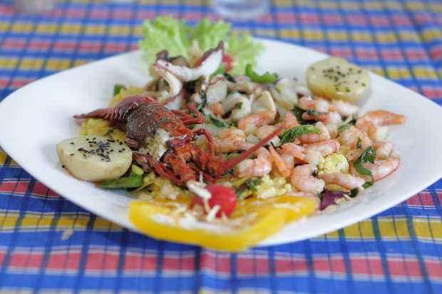 O Arroz de polvo com camarões e lagosta dá um show em decoração e sabor. Não só ele. O cardápio do chef Ricardo Resende conta com 21 criações. Foto: João Velozo/ Esp. DP/ D.A Press