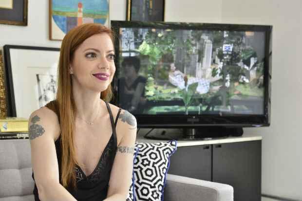 Julia concedeu entrevista na Casa Petiscos. Foto: João Sal/Divulgação