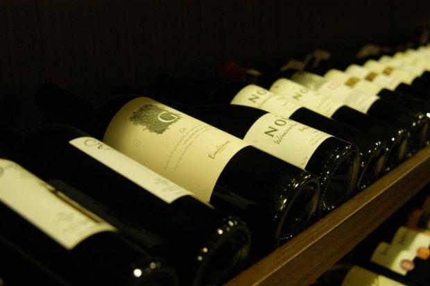 Na lista do aumento, estão as bebidas quentes como vinhos, vodcas e uísques. Foto: Jaqueline Maia/DP/DA Press