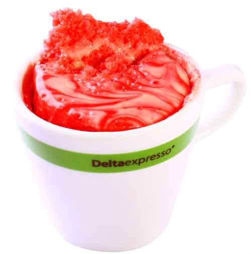 Bolo de morango na xícara sem glúten é uma opção doce do novo cardápio. Foto: Delta Expresso/ Divulgação