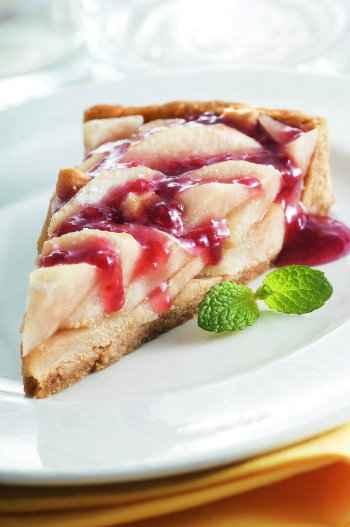 Torta de pera light, se feita da forma correta, ganha formato e cores que abrem o apetite. Foto: Estrela/ Divulgação
