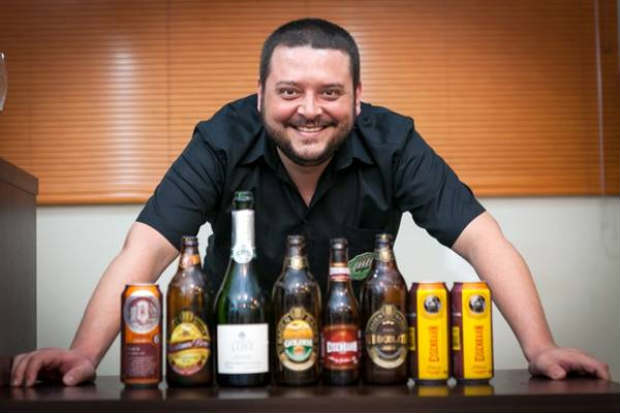 Fabrício Santos indica as cervejas de trigo para a estação. Foto: Rogério Volgarine/Divulgação