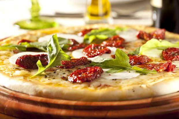 Restaurante e Pizzaria Atlântico oferece diferentes sabores de massas, além de promoção de pizzas. Foto: Dante Barros/ Divulgação