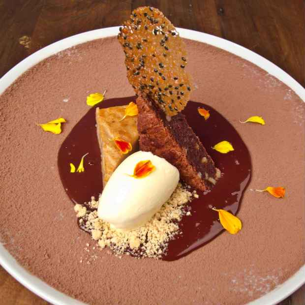 Como sobremesa, Raline sugere a deliciosa dupla de browines. Foto: Barchef/ Divulgação