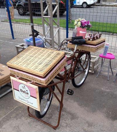 Dalu Gourmet levará seus doces em sua food bike. Foto: Facebook/ Reprodução
