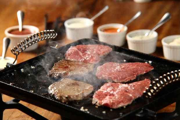 As carnes acompanham sete diferentes molhos gourmet. Foto: Tapa do Cuadril/ Divulgação