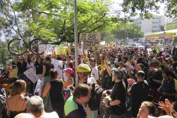 Manifestantes se reuniram na Lagoa Rodrigo de Freitas. Foto: Vladimir Platonow/Agência Brasil