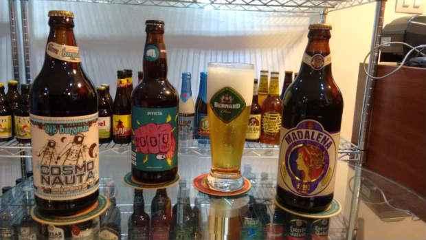 Cervejas artesanais podem ser degustadas na Taberna Joana D'arc, no Pina. Foto: Cristiano Carrilho/ Divulgação