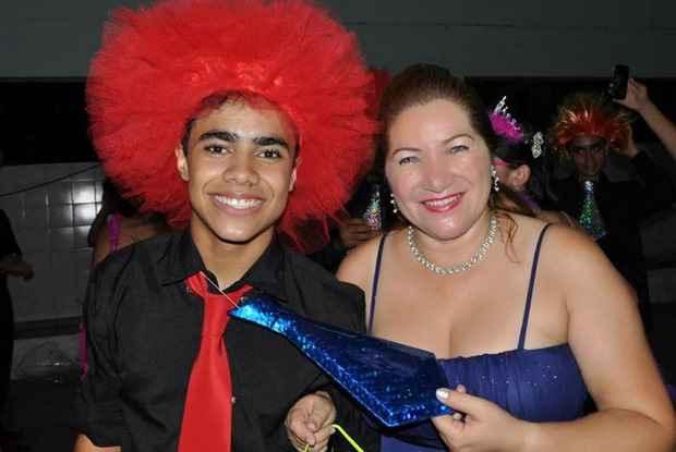 Gabriel e a mãe Joyce festejam as oportunidades que o filho está tendo. Foto: Arquivo Pessoal