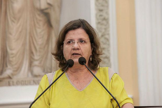Deputada Teresa Leitão (PT) em seu pronunciamento na Câmara Municipal do Recife. Foto: Reprodução