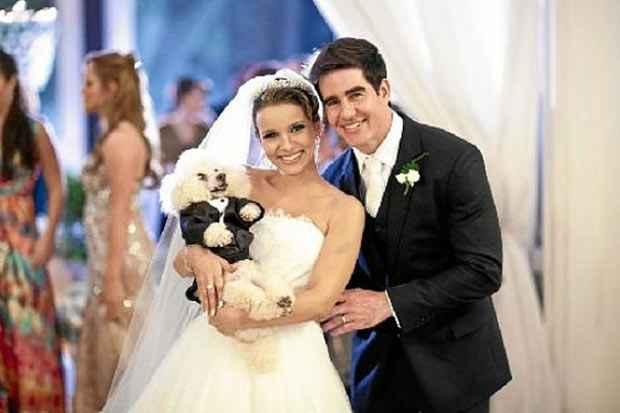 Gabriele tinha Baby desde os 10 anos e quis que o cachorro participasse do seu casamento. Foto: Arquivo Pessoal