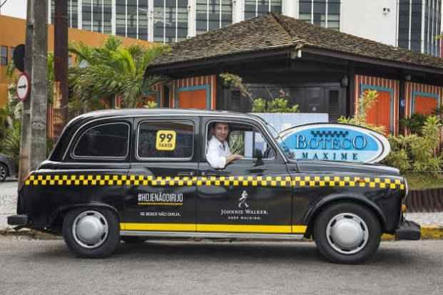 Campanha é uma parceria da Johnnie Walker com o serviço 99Taxis. Foto: Felipe Bezerra/Divulgação