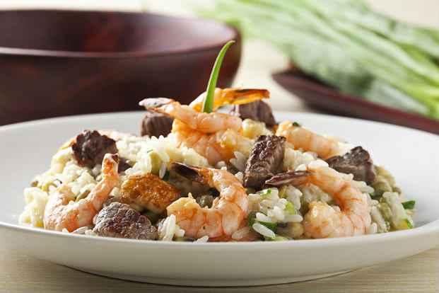 Alguns pratos disponíveis no menu misturam frutos do mar com carne vermelha.Fotos: Dante Barros/Divulgação