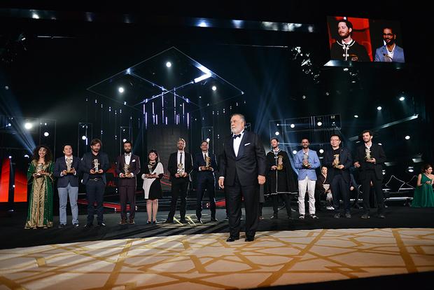 Coppola no palco da premiação junto com os vencedores. Fotos: Marrakech Film Festival/ Divulgação