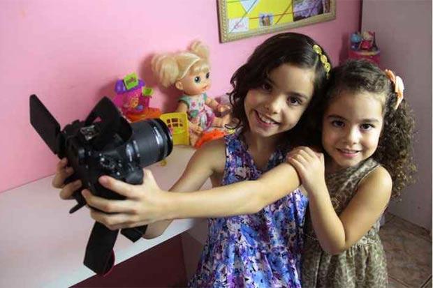 Irmãs gravam até três vídeos por semana. Foto: Ana Rayssa/Esp. CB/D.A. Press