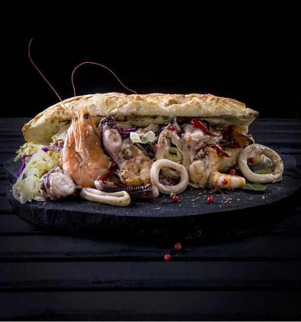 Tostada de frutos do mar surpreende pelo sabor suave. Fotos: Rafael Medeiros/Divulgação