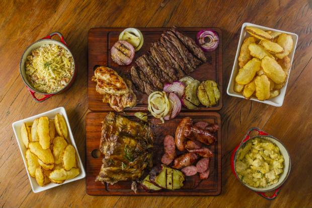 Restaurante oferece pratos para compartilhar. Foto: Greg Rosa/Divulgacao
