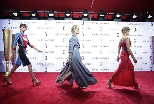 Desfile da coleção Primavera/Verão 2016 by Marc Jacobs, na Semana de Moda de Nova York. Foto: Joshua LOTT/AFP Photo