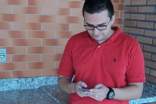 Pastor André Carolino admite que durante as férias continua antenado. Foto: Alef Calado/CB/D.A. Press