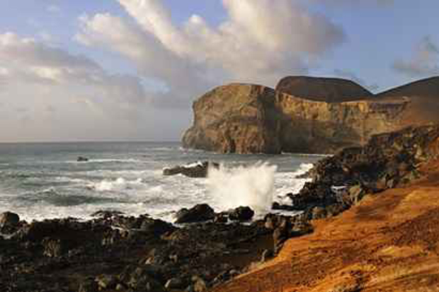As ilhas vulcânicas do arquipélago de Açores guardam paisagens apaixonantes, formadas por gêiseres . Foto: Maurício de Abreu/DRT/visitazores.com/ATA