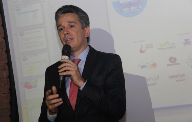 Felipe Carreras afirma que, com alta do dólar, é possível investir mais em roteiros nacionais. Foto: Divulgação