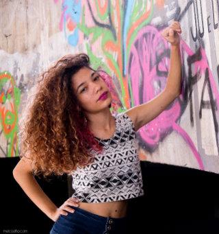 Bianca pesquisa rap e letras feministas que empoderam mulheres. Foto: Arquivo pessoal/Divulgação