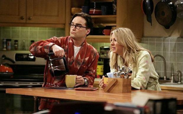 """A bebida em uma das cenas de """"The Big Bang Theory"""". Foto: Warner Bros./Reprodução"""
