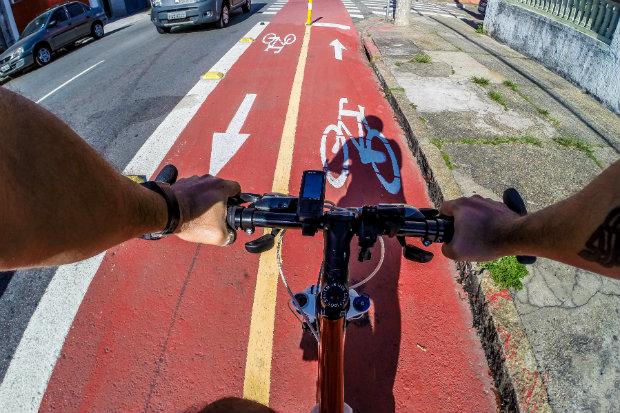 A ação acontece para reunir os ciclistas que utilizam a rodovia para fazer exercício ou ir ao trabalho. Foto: Rafael Neddermeyer/ Fotos Públicas.