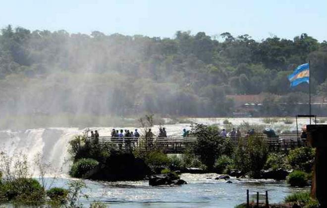 Em Puerto Iguazú, a paisagem é inesquecível. Foto: Renato Alves/CB/D.A. Press